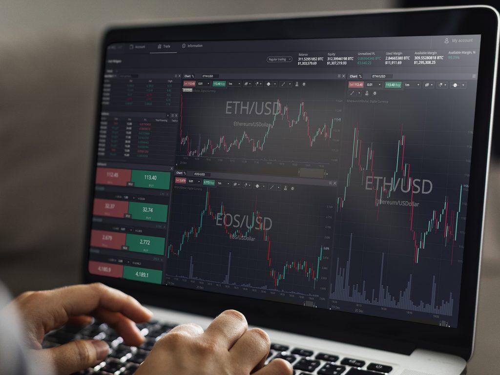 make mone trading altcoins